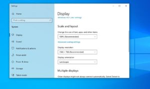 Windows 10 changes resolution on its own